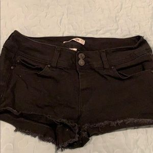 Refuge jean shorts size 6